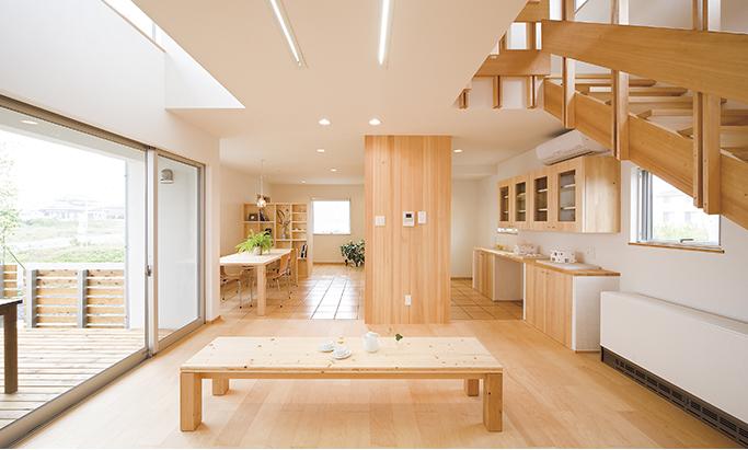 自然素材の家の内観写真